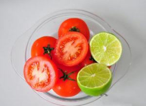 Trị hôi nách bằng cà chua và chanh
