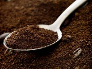 Cách trị hôi nách bằng bã cà phê