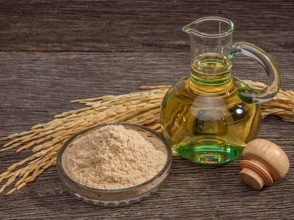 Trị nám hiệu quả bằng bột yến mạch và dầu oliu