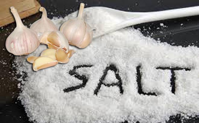 Trị sâu răng hiệu quả bằng tỏi và muối