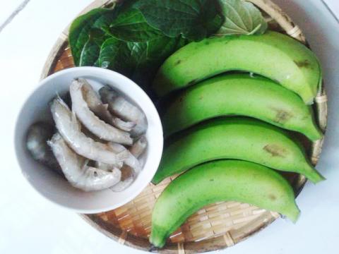 Chữa xuất tinh sớm bằng chuối xanh nấu tôm
