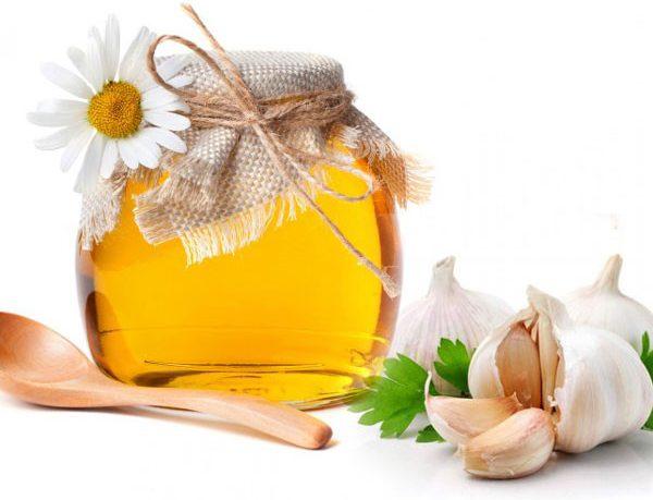 Trị đau dạ dày bằng mật ong kết hợp với tỏi