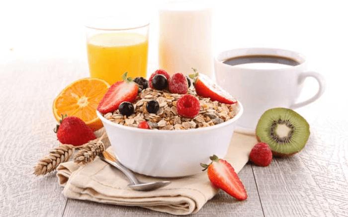 Tăng cân bằng yến mạch trái cây dằm sữa